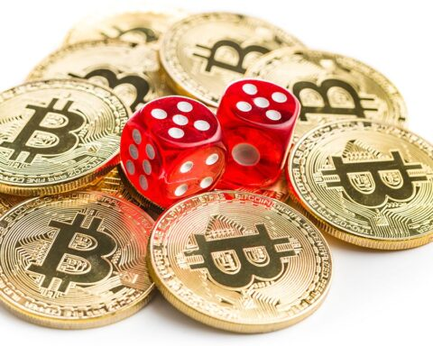 Gambling with Bitcoin - Is Bitcoin The Future of Online Casino